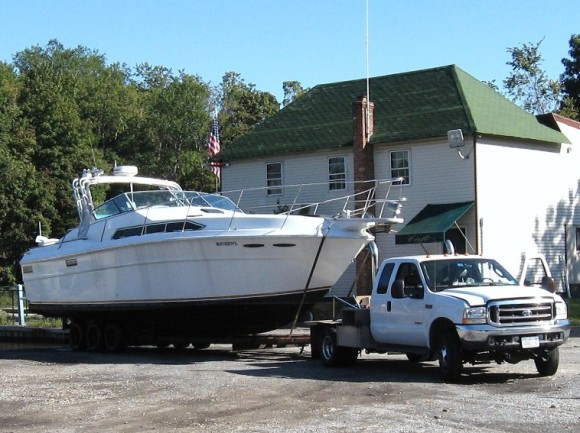 Boat moving company long distance transport